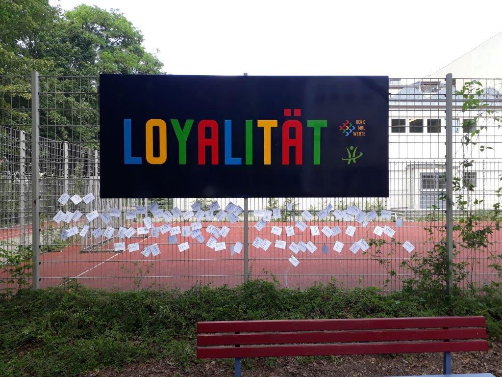 loyal02